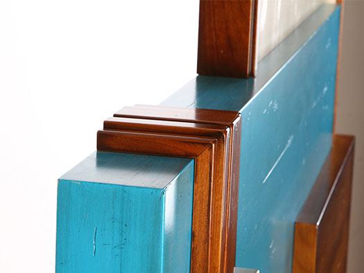 Tuesta-dormitorio-chester-capitone-madera-moderno-laca-envejecida-madera-cerezo-macizo-detalle-cabecero
