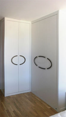 Tuesta-mueble-armario-independiente-abatible-abatibles-rinconero-laca-blanco