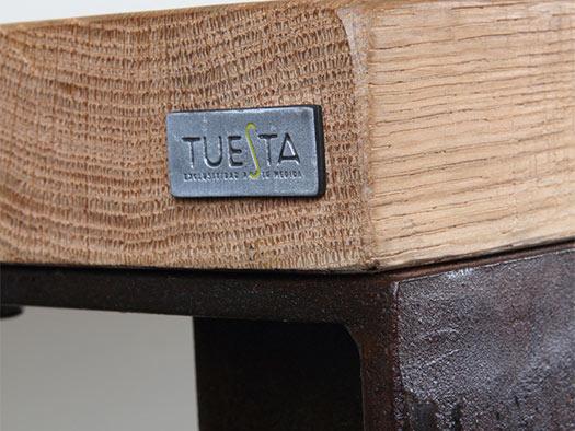 Tuesta-mueble-saln-ferro-industrial-roble-macizo-moderno-diseo-detalle-mesa
