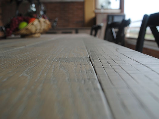Tuesta-mueble-saln-ferro-industrial-roble-macizo-moderno-diseo-mesa-detalle-aserrado